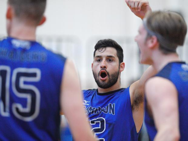Camosun's Vitor Periera leads Chargers men's volleyball to 3rd consecutive winning weekend